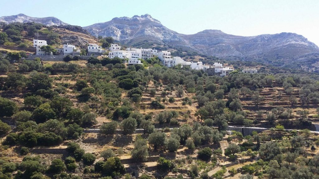 "Naxos: The ""ELaiolithos Luxury Retreat"" - Hikers Friendly Gold Awarded Hotel. The first hotel on Naxos island officially certified as a ""Hikers Friendly Hotel"""